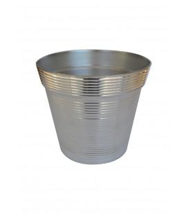 Cache-pot en métal